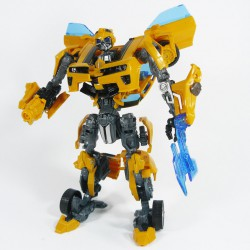 Hunt for the Decepticons Deluxe Battle Blade Bumblebee Robot Mode